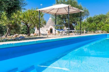 Trullo Gemelli: Trullo with Pool - Castellana Grotte