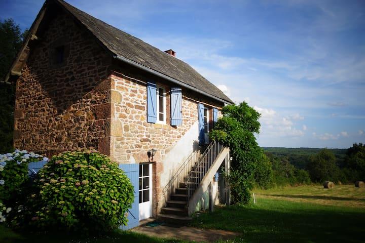 Gîte rural en Corrèze - Champagnac-la-Noaille - House