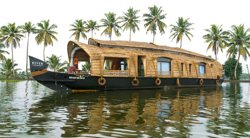 Xandari Riverscapes -Traditional Kerala Houseboat - Alappuzha - Bot