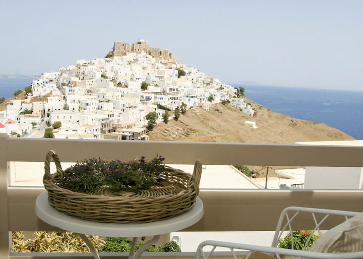 Romantic Studio for Couples in Chora Amazing View