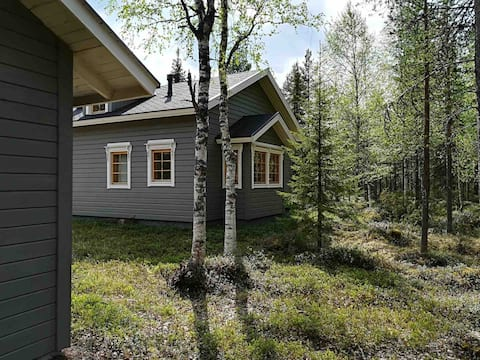 Cabin in the forest with riverview, sauna, BBQ hut