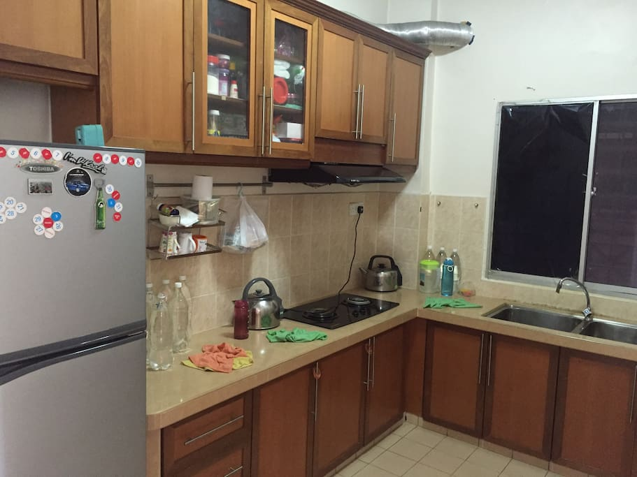 Full furnish kitchen with refrigerator