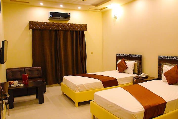 Twin Rooms Johar Town