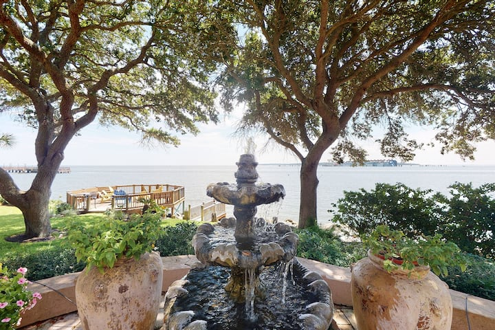 Village Villa with Ocean Views and Tuscany Charm 3 Bedrooms, 3 1/2 bathrooms