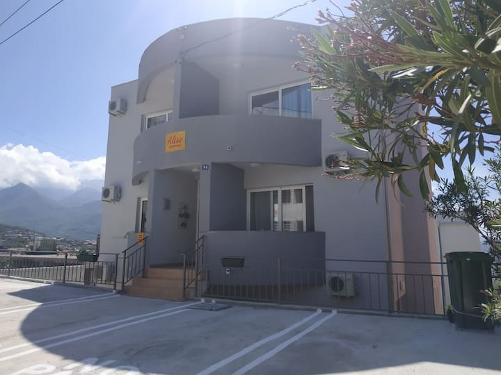 Double apartment with kitchenette and balcony.