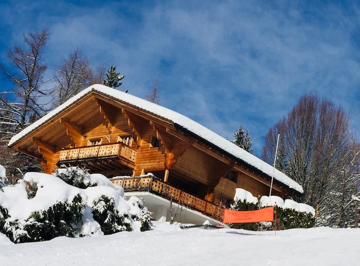 Ski in- Ski out. South Facing Chalet on the piste