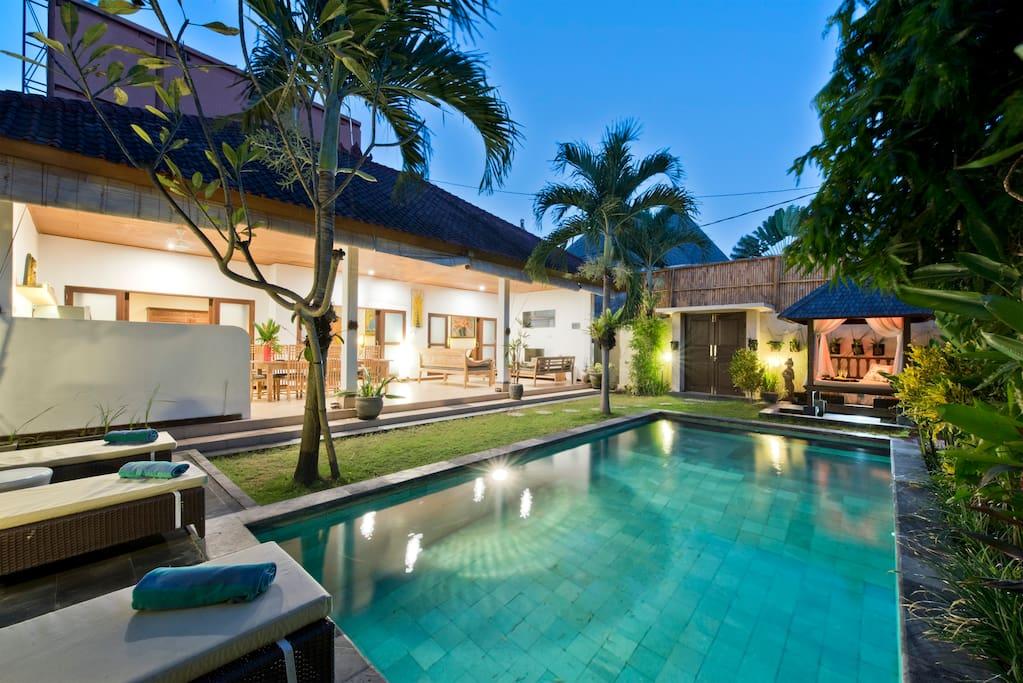 Villa star 3 bedrooms seminyak villas for rent in for 5 star villas