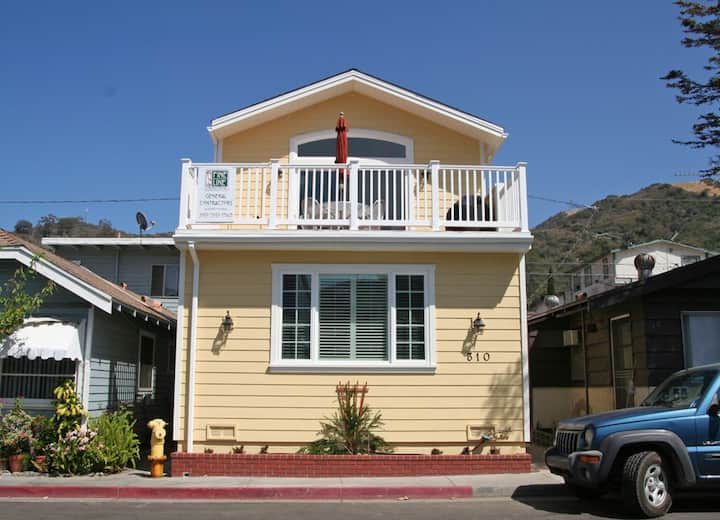 Remodeled Home, 2 Blocks from the Beach, A/C, WIFI, Deck, BBQ