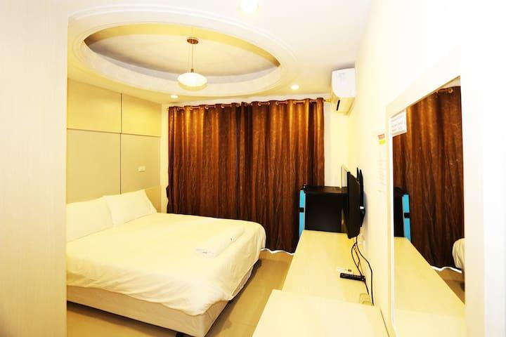 T3 RESIDENCE Soi Nakniwat 20  Ladphod 71 Bangkok