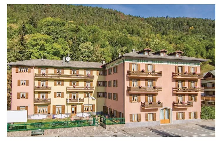 Holiday apartment with 1 bedroom on 36 m² in Aprica -SO-