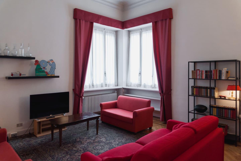 """Il soggiorno, con Tv led 40"""" e' spazioso e dispone di un divano letto cm 140 x 195"""