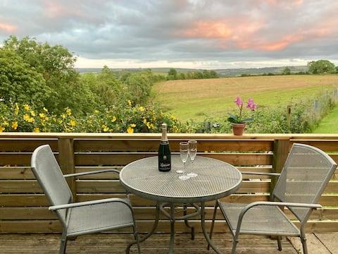 South Hams Studio with stunning countryside views