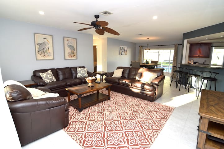 Last Minute Deal!3Bed/2Bath w/Heated Pool Home