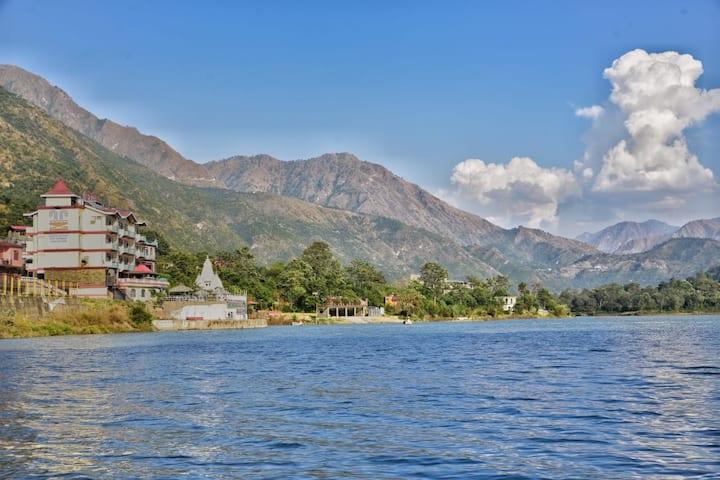 5 Luxury Room | Lake | Hot Spring Pool | Boating