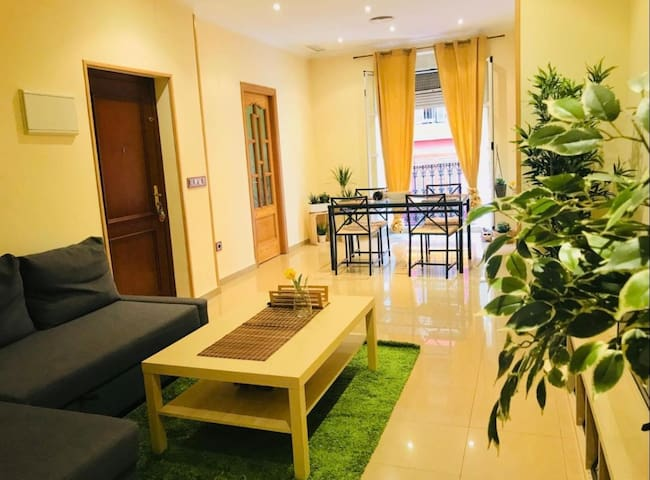 Friendly apartment in the CENTER perfect fr FAMILY