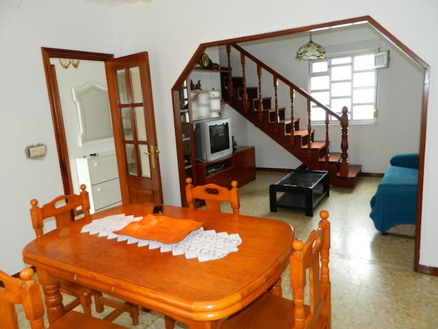 Apartamento en Esteiro a 400m de la playa
