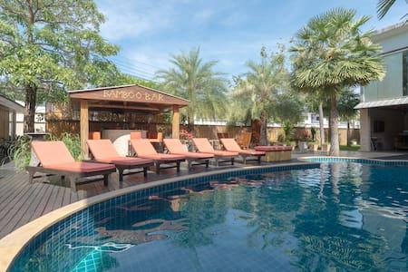 A peaceful resort outside Bangkok#1 - Samut Prakarn - Bed & Breakfast