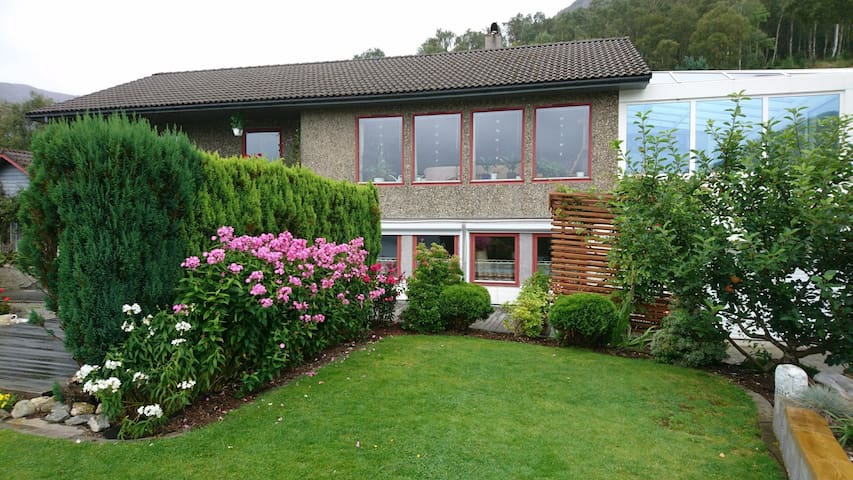 holiday house near Preikestolen (Pulpit rock)
