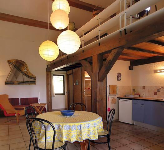 Atelier - Saint-Julien-de-Peyrolas