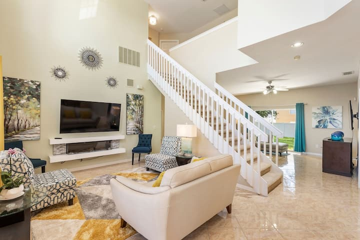 Disney Family Retreat| Very Clean|Community Pool