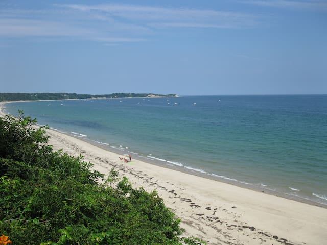 Manomet Beach House - Year Round Escape