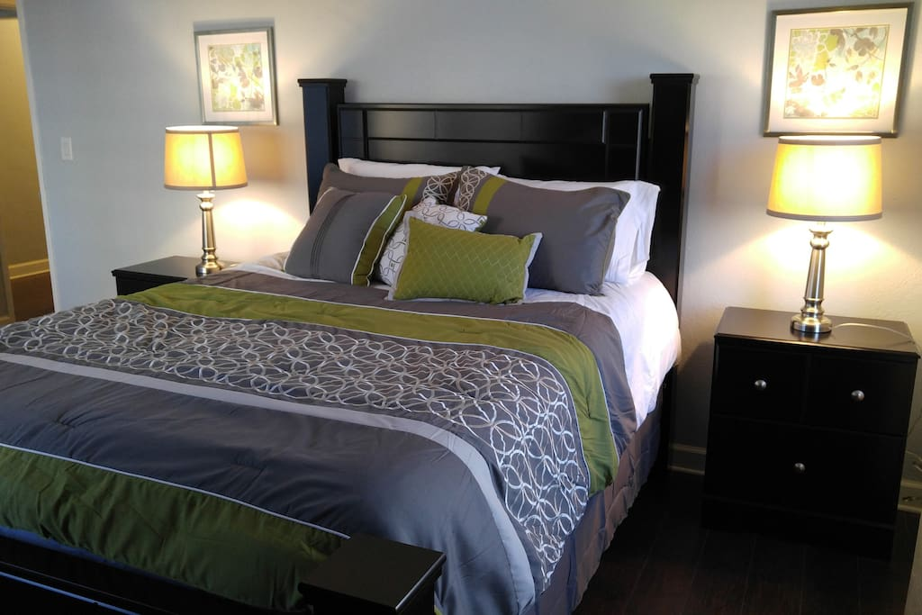 Master Bedroom, Queen size beautifully decorated