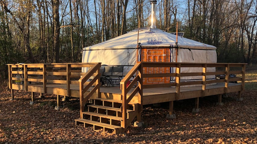Yurt at Daisy Dell Farm-Relax and Rejuvenate