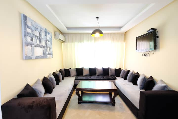 ARZ9. Modern and cosy apartment. Center town!