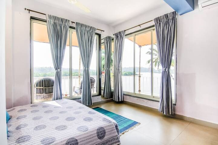 River View Luxury Room in Canacona