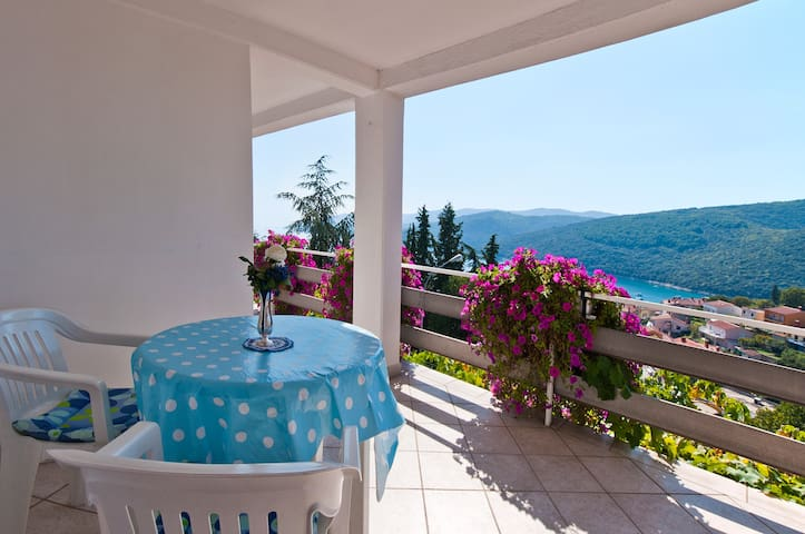 Charming  apartment studio for 2 - Rabac
