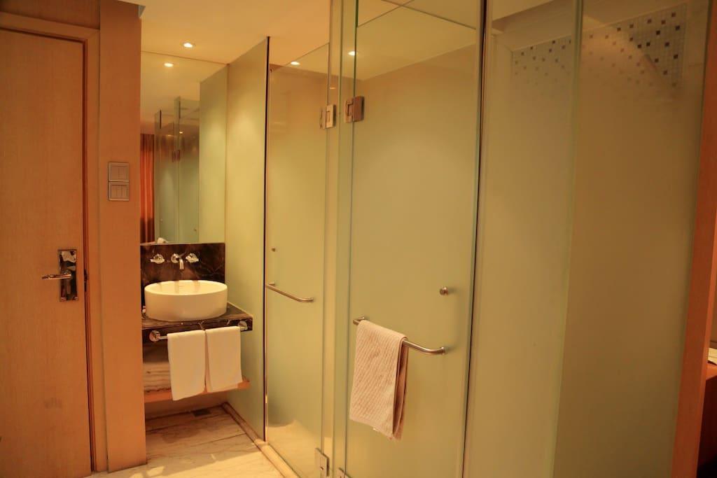 沐浴、卫生巾、洗漱均分开设置