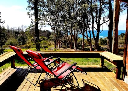 HIGH TOR Cottage with Ocean Views on one acre land - Gualala - Casa de campo