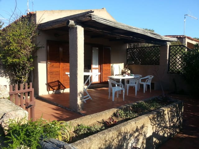 Palau Vecchio Marino bilocale con patio e bbq - パラウ