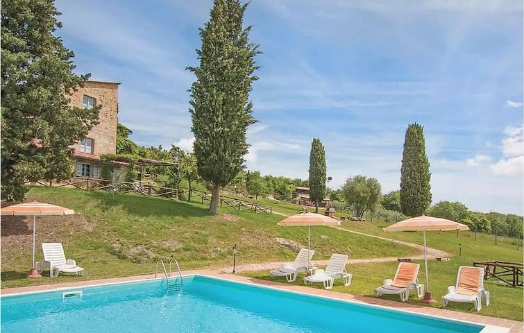 Holiday apartment with 1 bedroom on 75m² in Casole d'Elsa