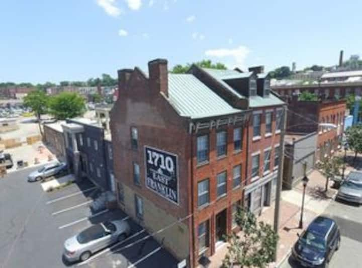 Can't Miss Shockoe Bottom 1 Bedroom Apartment