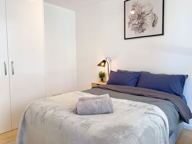 Second bedroom with comfortable bed