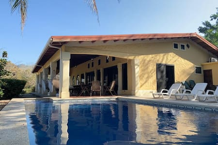 Casa Coral, Carrillo, Guanacaste. Walk to Beach.