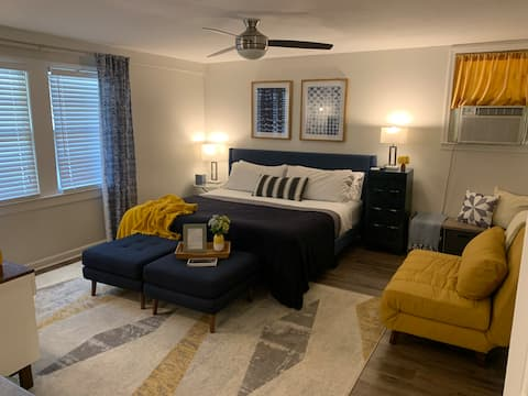Mid Century Modern Private Guest Suite!