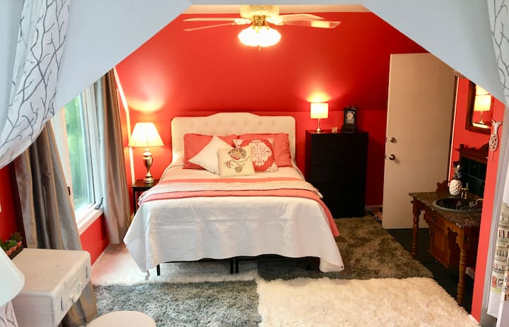 GOLDEN GATE SUITE/Pool/Views MONTHLY RENTAL ONLY