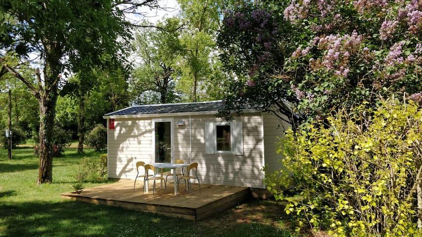 Mobil-Home à petit prix dans un Camping**