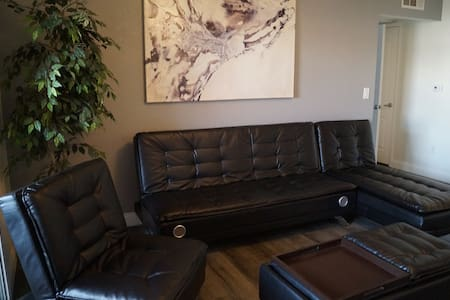 Executive suite with strip view... - Las Vegas