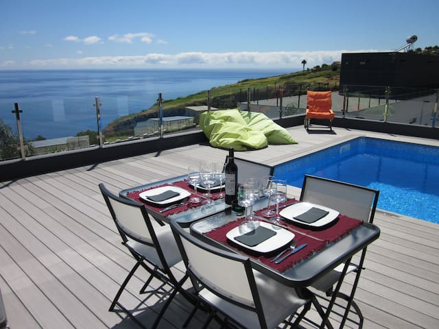 Villa Fernando with swimming pool and sea views - Estreito da Calheta - Casa