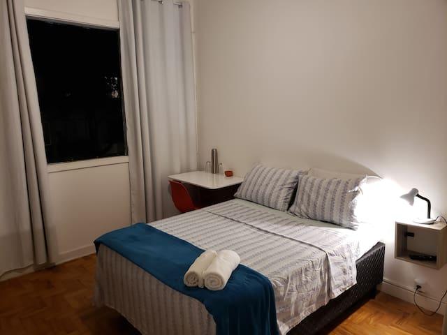1-Confortável quarto de casal px. à av. Paulista