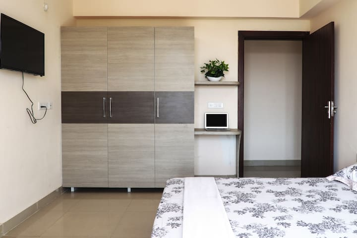 Helloworld Nasa | Private Room in 3BHK-01