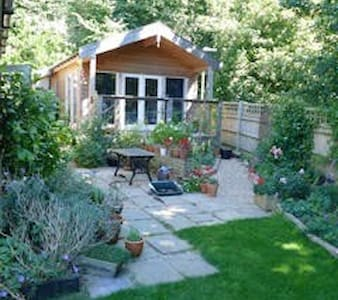 Self contained garden studio with breakfast