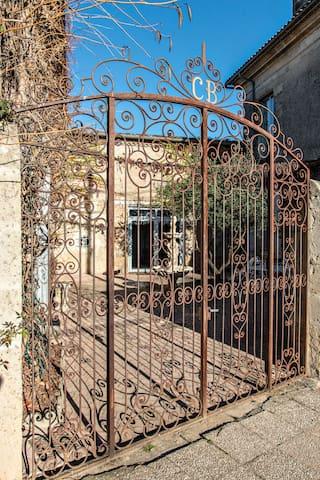 """Logement """"Patio """" du Château Bouchereau  (5 Pers) - Caudrot - Castle"""