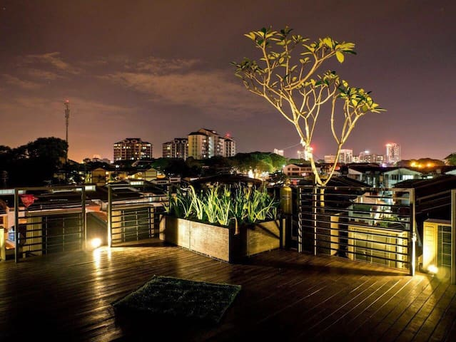 Courtyard House with rooftop garden - Johor Bahru - Haus