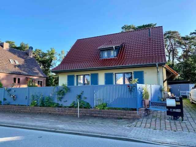 Landhaus-Wohnung-Anna -in unmittelbarer Strandnähe