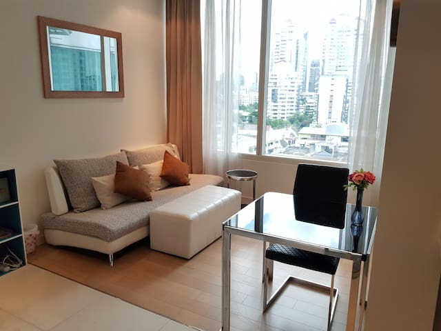 Lively and Friendly near BTS Thonglor.