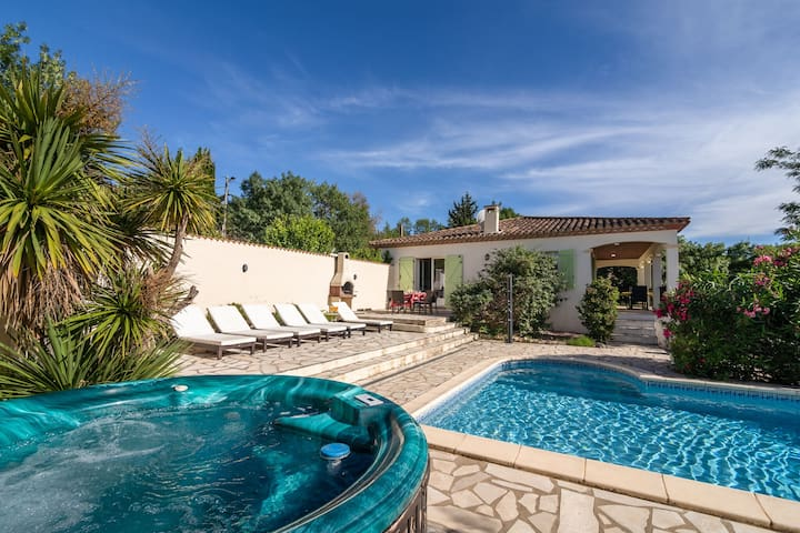 Cozy Villa in Félines-Minervois with Private Pool